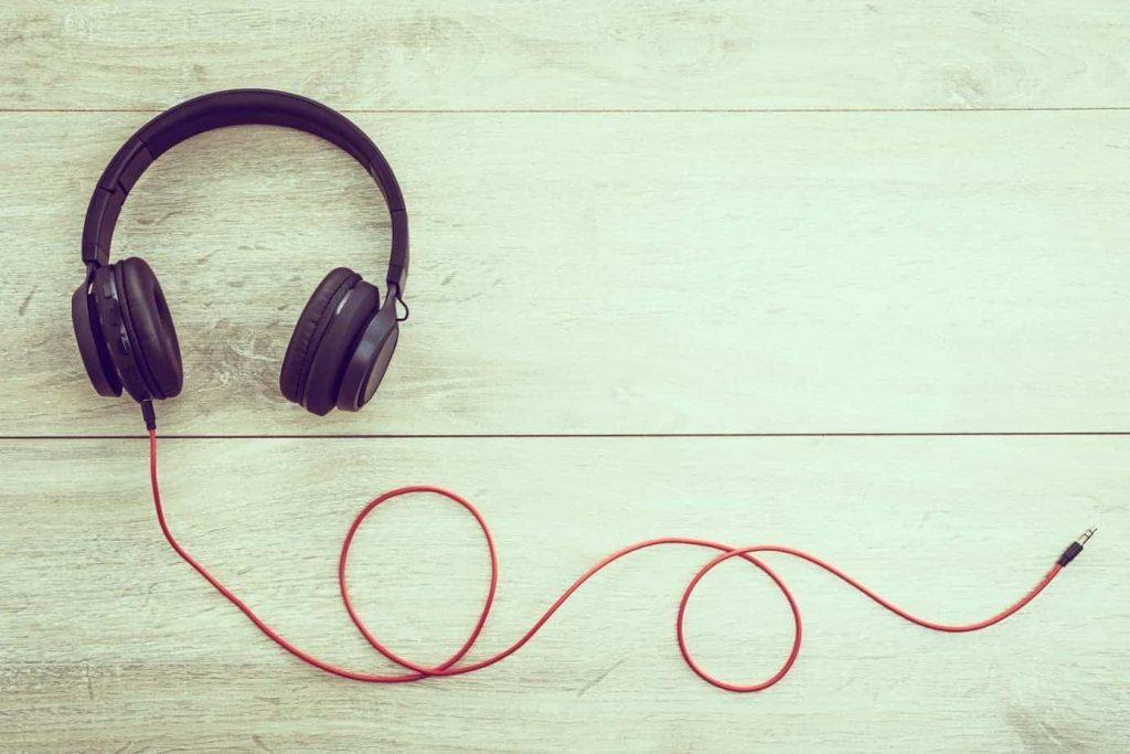 Cum să asculți podcasturi